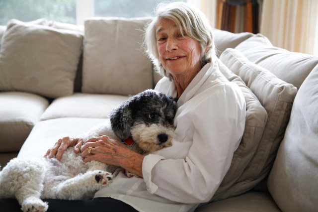 The poet Mary Oliver with Ricky. Photo via Angel Valentin for The New York Times